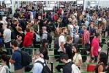 В крупнейшем аэропорту Каталонии началась забастовка