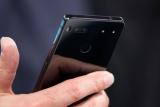 Безрамковий Essential Phone провалив тест на міцність