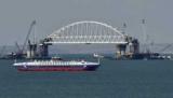 Запуск моста позволит Крыму принимать больше туристов, - сказал Черняк