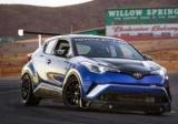 Кросовер Toyota C-HR перетворили в трековий спорткар
